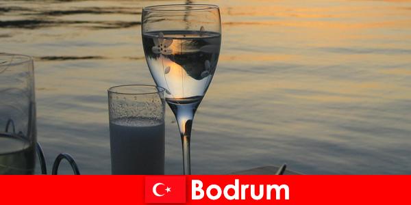 Di Turki, klub diskotek dan bar Bodrum untuk wisatawan muda