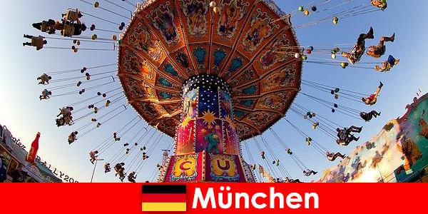 Acara olahraga internasional dan Oktoberfests di Munich adalah magnet bagi tamu
