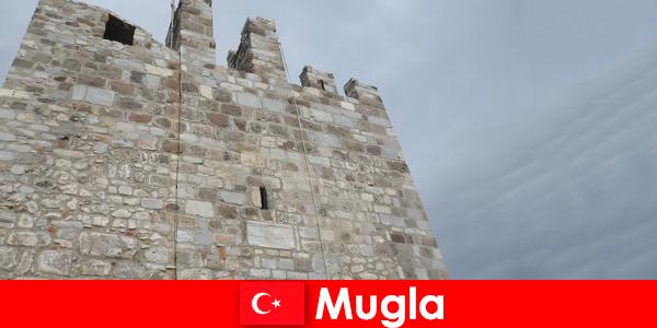 Petualangan perjalanan ke reruntuhan kota Mugla di Turki