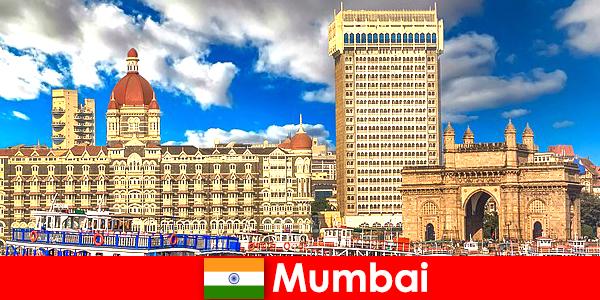 Mumbai merupakan metropolis penting di India untuk ekonomi dan pariwisata