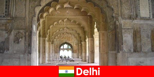 Orang asing menyukai perjalanan budaya ke Delhi di India