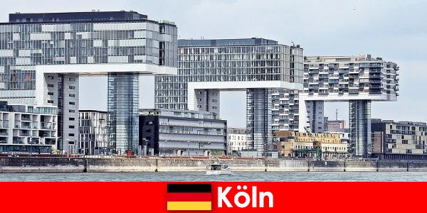 Bangunan bertingkat tinggi yang mengesankan di Cologne memukau orang asing