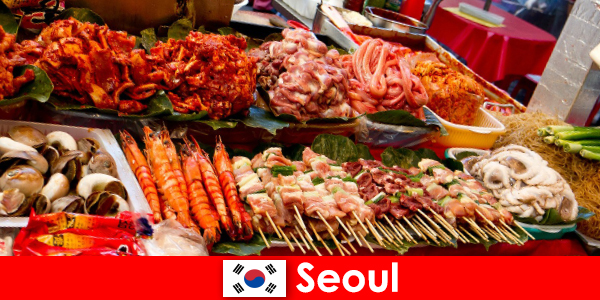 Seoul juga terkenal di kalangan wisatawan karena makanan jalanannya yang lezat dan kreatif
