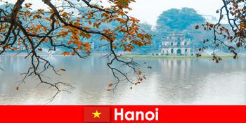 Kuil Gunung Giok Hanoi Vietnam dan Kuil Sastra menyenangkan wisatawan