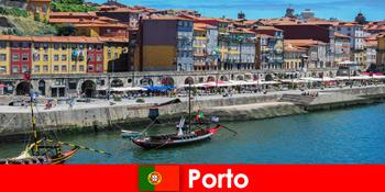 Istirahat kota untuk pengunjung Porto Portugal dengan bar menawan dan restoran lokal