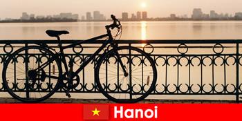 Hanoi di Vietnam penemuan perjalanan dengan perjalanan air untuk turis olahraga