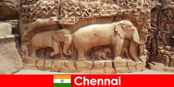Orang asing antusias dengan bangunan budaya tradisional di Chennai India