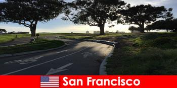 Tur eksploratif untuk orang asing dengan sepeda di San Francisco Amerika Serikat