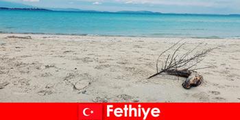 Perjalanan rekreasi untuk wisatawan yang stres di Riviera Fethiye Turki