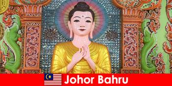 Paket Liburan dan Wisata Budaya untuk Wisatawan ke Johor Bahru Malaysia