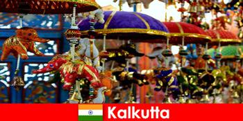 Upacara keagamaan berwarna-warni di Calcutta India tip perjalanan untuk orang asing