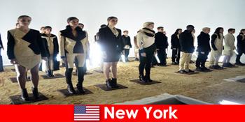 Perjalanan budaya untuk orang asing ke distrik teater terkenal di New York Amerika Serikat