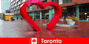 Toronto Canada sebagai kota penuh warna mengalami tamu asing sebagai kota metropolitan multibu budaya